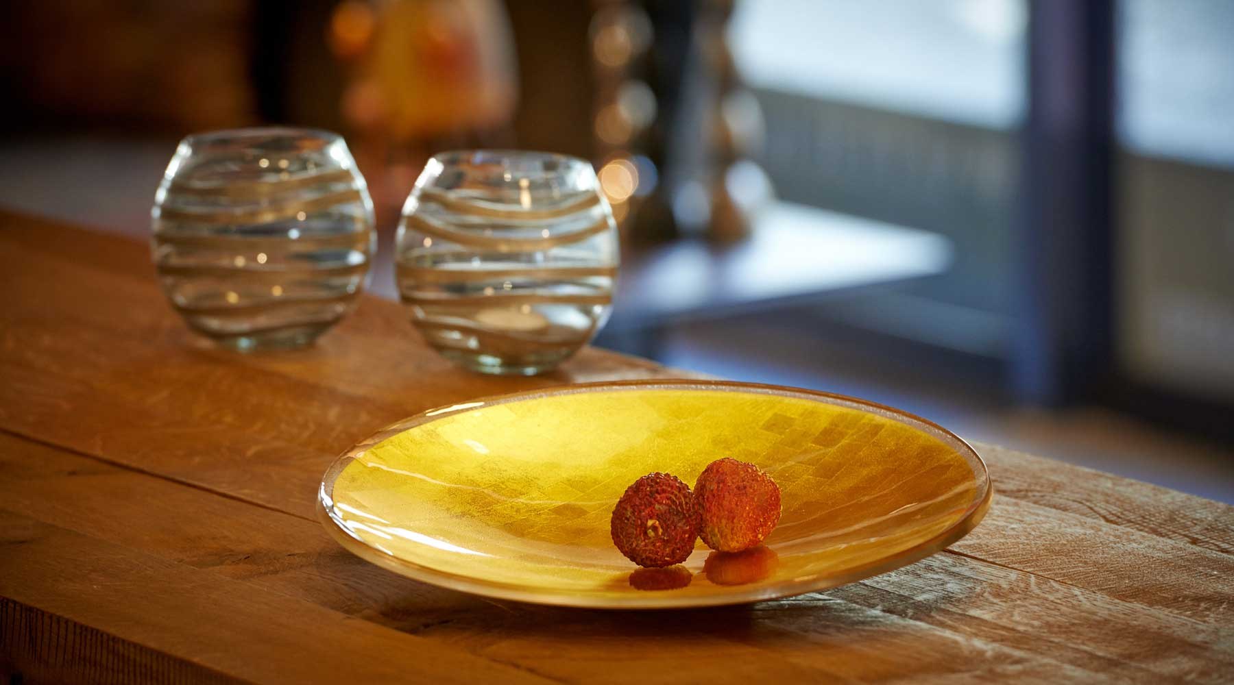 Gold in Glass round-plate